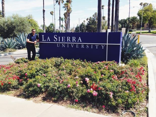 Conhecendo o campus da La Sierra University