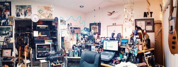 No estúdio do guitarrista Michael Thompson em Culver City, CA